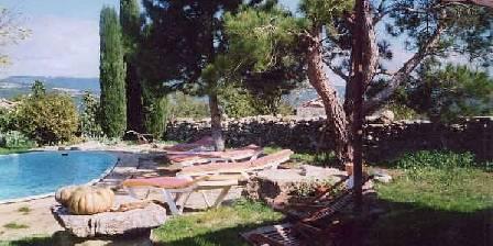 La Bergerie du Luberon Le jardin , la vue , la piscine
