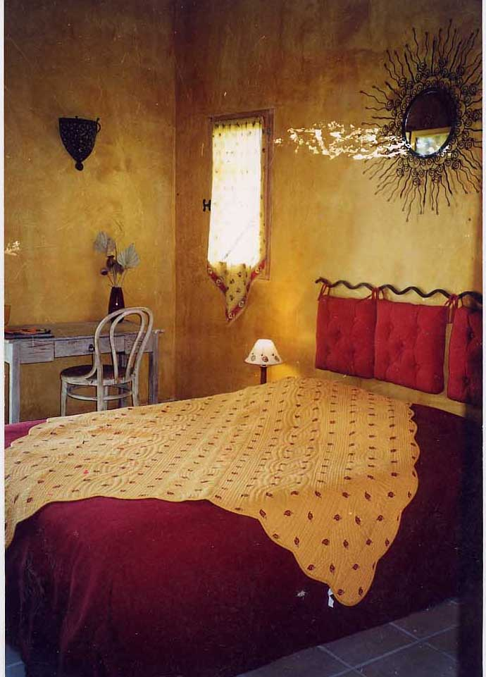 la bergerie du luberon une chambre d 39 hotes dans le vaucluse en provence alpes cote d 39 azur. Black Bedroom Furniture Sets. Home Design Ideas