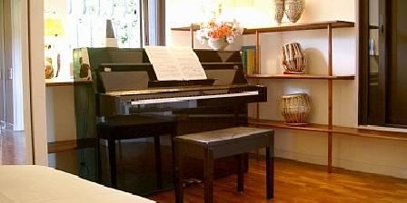 Gite La Cigalière > Jasmin piano > Cliquez ici pour agrandir cette photo