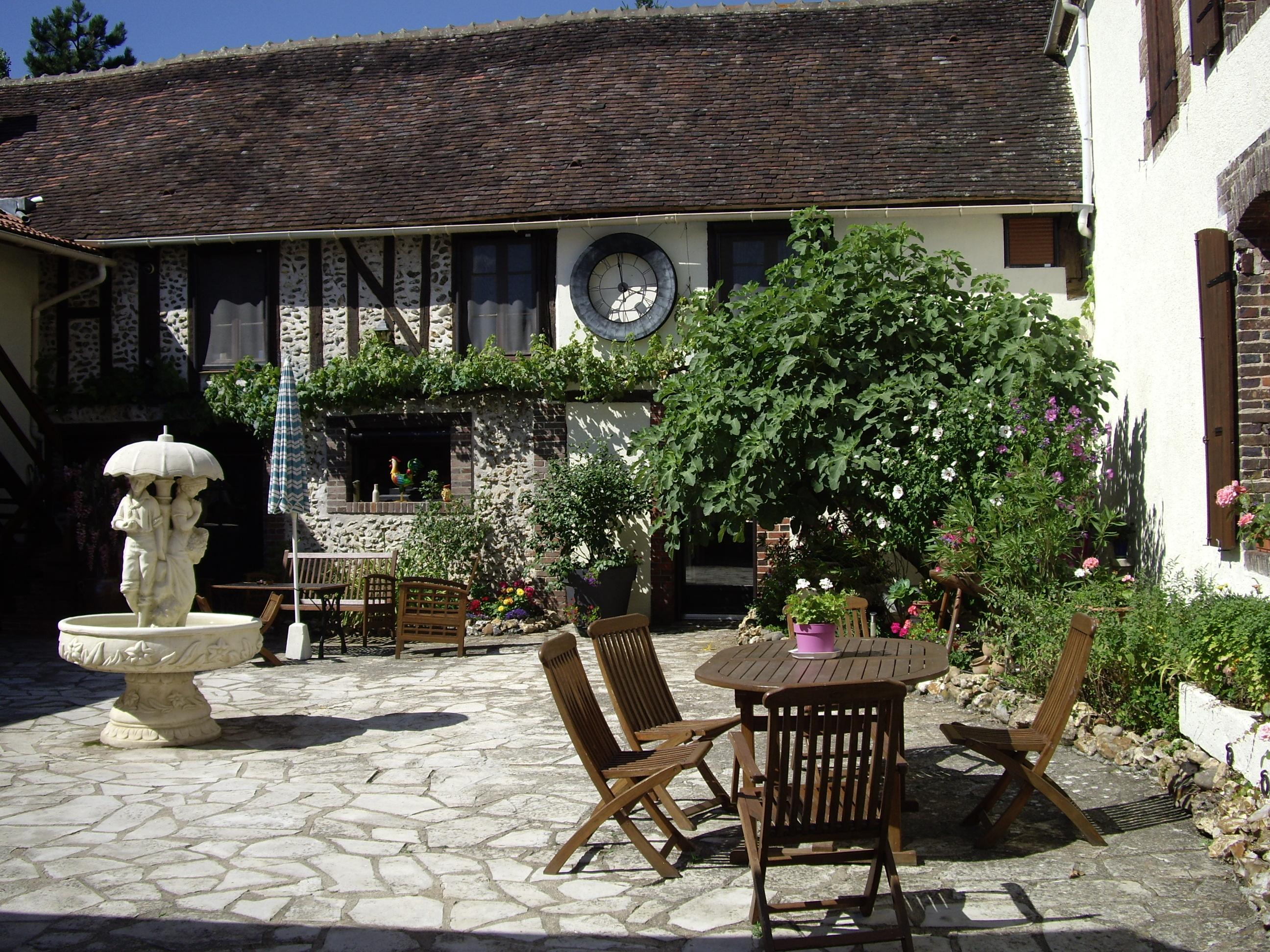 La claire fontaine une chambre d 39 hotes dans l 39 yonne en bourgogne album photos - Chambres d hotes en bourgogne ...