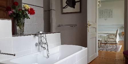 Chambre d'hotes La Demeure de la Touche > Salle de bains Louis XVI