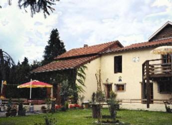 Chambres d'hotes Puy-de-Dôme, à partir de 45 €/Nuit. Saint-Priest-Bramefant (63310 Puy-de-Dôme)....