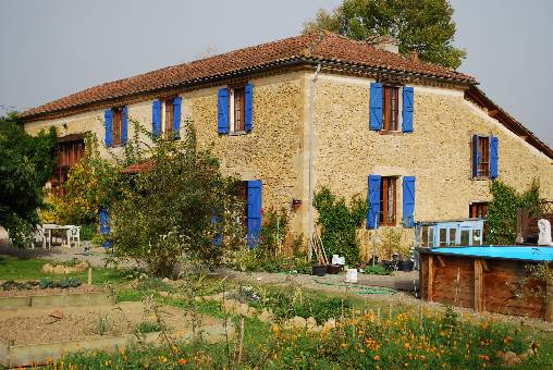 Bed & breakfasts Gers, from 58 €/Nuit. House of character, Mirande (32300 Gers), Swimming Pool, WiFi, 3 Double Bedroom(s), 10 Maximum People, Lounge, 3 Epis Gite De France, Travel Cheques, Town/Village View, South Dire...