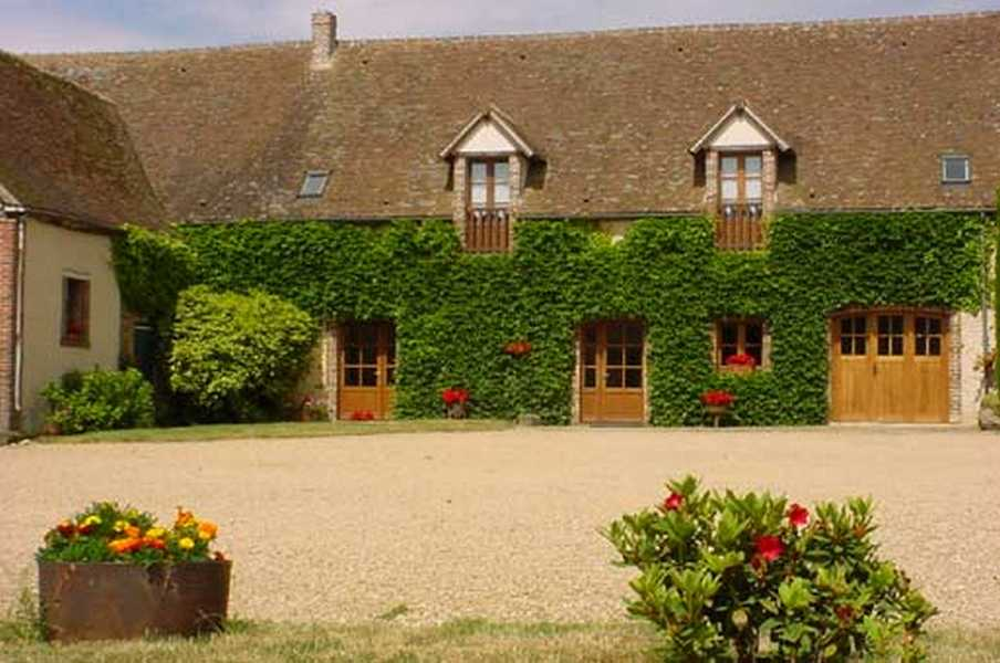 Chambres d'hotes Eure-et-Loir, à partir de 32 €/Nuit. Saint Maixme Hauterive (28170 Eure-et-Loir)....
