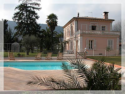 Bed & breakfasts Alpes Maritimes, from 80 €/Nuit. House/Villa, Nice (06000 Alpes Maritimes), Luxury, Swimming Pool, Garden, Park, Net, T.V., Parking, 2 Double Bedroom(s), 1 Suite(s), 1 Childrens Bedrooms, 8 Maximum People, Lounge...