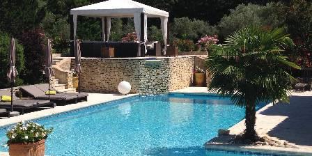 Le Lantana La piscine