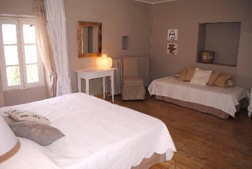 Chambre d'hote Vaucluse - chambre lit en 180 cm  + lit sup