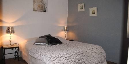 Domaine de Layaude Basse Chambre climatisée lit en 140 cm avec mezzanine