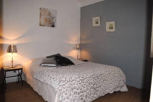 Chambre d'hote Vaucluse - chambre climatisée lit en 140 cm avec mezzanine