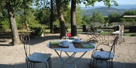 Domaine de Layaude Basse Petit déjeuner en terrasse