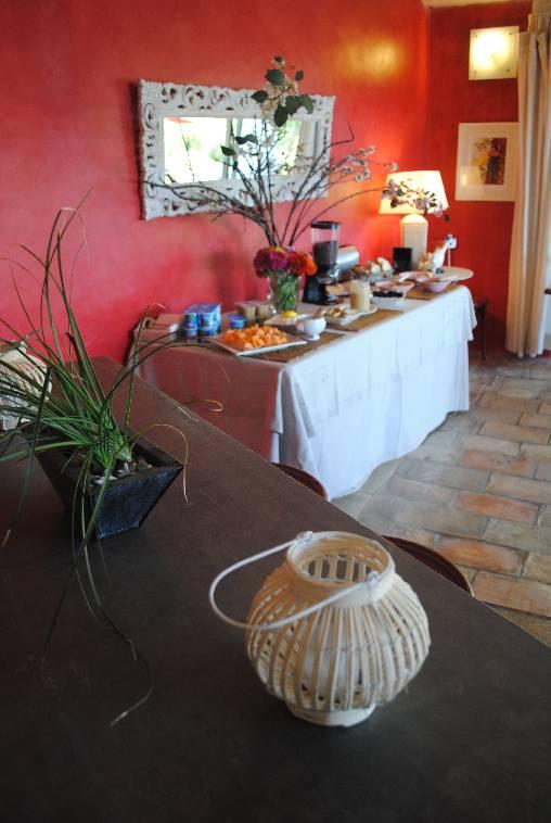 Chambre d'hote Vaucluse - buffet petit déjeuner