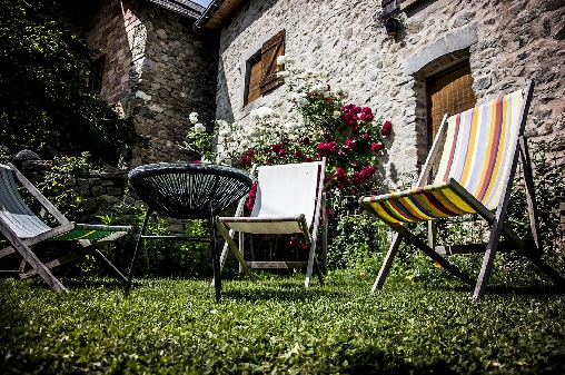 Bed & breakfasts Hautes Alpes, from 49 €/Nuit. House of character, Saint Bonnet en Champsaur (05500 Hautes Alpes), Charm, Guest Table, Garden, Park, Baby Kits, 4 Double Bedroom(s), Lounge, Library, Chimeney, Travel Cheques, Cy...