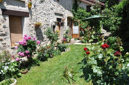 bed & breakfast Hautes Alpes - Entry via the garden