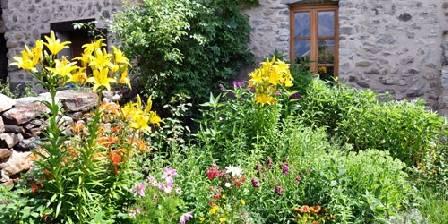 Le Cairn Le jardin d'entrée...