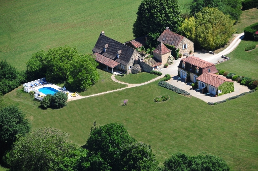 Bed & breakfasts Dordogne, from 76 €/Nuit. House of character, Paleyrac (24480 Dordogne), Charm, Luxury, Swimming Pool, Garden, Park, Net, WiFi, T.V., Parking, 4 Double Bedroom(s), 1 Suite(s), 15 Maximum People, Lounge, Li...