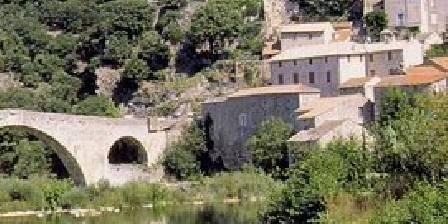 Auberge au  Fil de l'Eau Notre auberge à côté du Pont du Diable