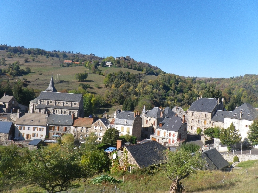 Chambre d'hote Cantal - village de Peyrusse 15