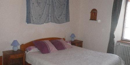 Le Fromentou Chambre bleu 1er étage