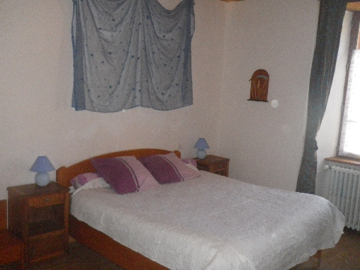 Chambre d'hote Cantal - chambre bleu 1er étage