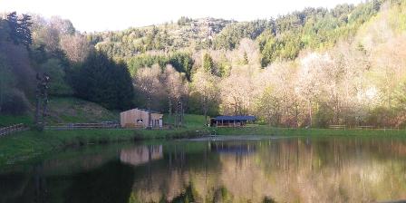 Le Fromentou Lac de Peyrusse à 400 m de la location