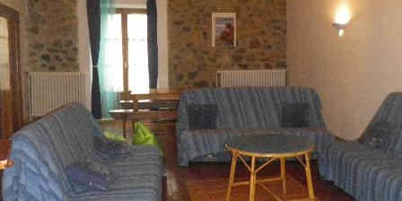Le Fromentou Salon gîte de 12 pers