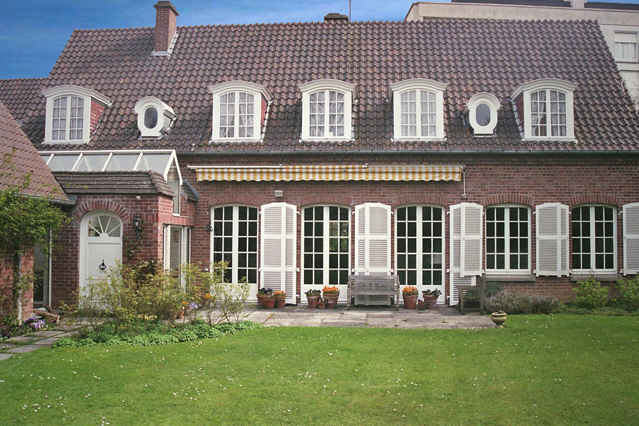 Bed & breakfasts Nord, from 50 €/Nuit. House of character, Lille-Tourcoing (59200 Nord), Charm, Garden, Park, Net, WiFi, T.V., Parking, 1 Single Bed(s), 1 Suite(s), Library, Chimeney, Computer, Tennis, Bowls, Seminars,...