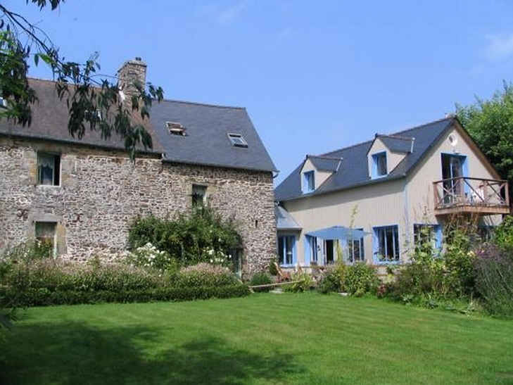Bed & breakfasts Ille-et-Vilaine, from 60 €/Nuit. House/Villa, Baguer-Pican (35120 Ille-et-Vilaine), Charm, Garden, WiFi, Baby Kits, 5 Single Bed(s), 3 Maximum People, Lounge, Chimeney, Kids Games, Gites De France 3 épis, Charman...