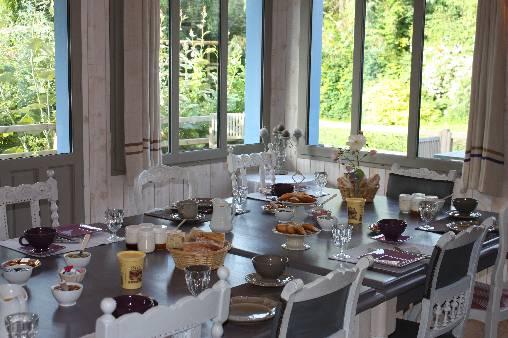 Chambre d'hote Ille-et-Vilaine - La table du petit déjeuner