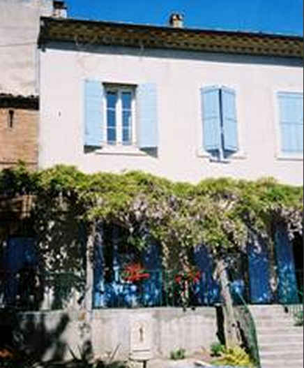 Bed & breakfasts Alpes de Haute Provence, from 58 €/Nuit. House of character, Mane (04300 Alpes de Haute Provence), Charm, Guest Table, Garden, WiFi, T.V., 3 Double Bedroom(s), 11 Maximum People, Travel Cheques, Town/Village View, No Smo...