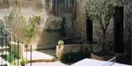 Le Jardin des Glycines La terrasse