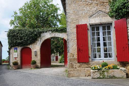 Bed & breakfasts Charente, from 100 €/Nuit. Castle, Saint Claud (16450 Charente), Charm, Luxury, Guest Table, Swimming Pool, Garden, Park, Net, WiFi, Baby Kits, Parking, 2 Double Bedroom(s), 1 Suite(s), 7 Maximum People, L...