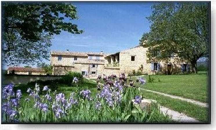 Chambres d'hotes Alpes de Haute Provence, Cruis (04230 Alpes de Haute Provence). A proximité : Sisteron 20 km, Forcalquier 20 km, Manosque 40 km, Alpes Maritimes 100 km, Hte Alpes 50 km, Vaucluse 45 km, Ocres de Roussillon  50 km, Route Du Te...