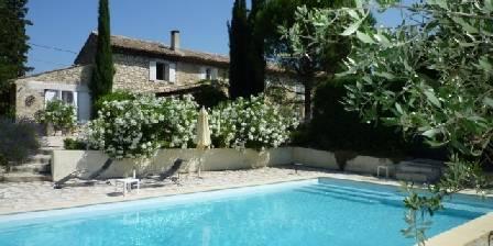 Le Mas du Chatelas The Farmhouse and the swimming pool