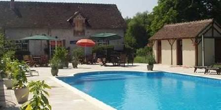 Le Moulin de Crouy La piscine
