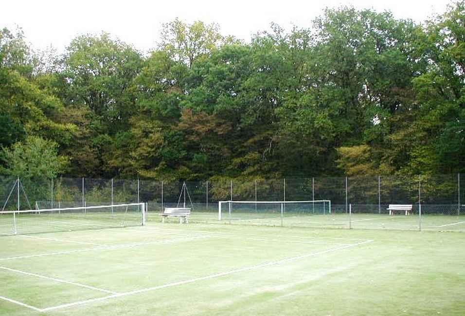 Chambre d'hote Ain - Le tennis
