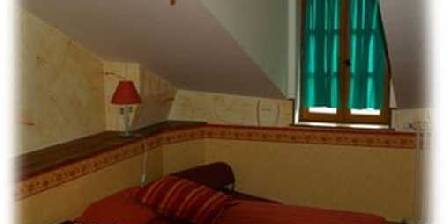 Le Saint Jacques La chambre Jaune