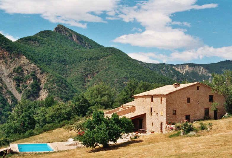Chambre d 39 hote les 3 fontaines chambre d 39 hote alpes de for Maison hote provence