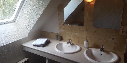 Les Chambres d'Hôtes d'Evelyne Salle d'eau chambres Iris