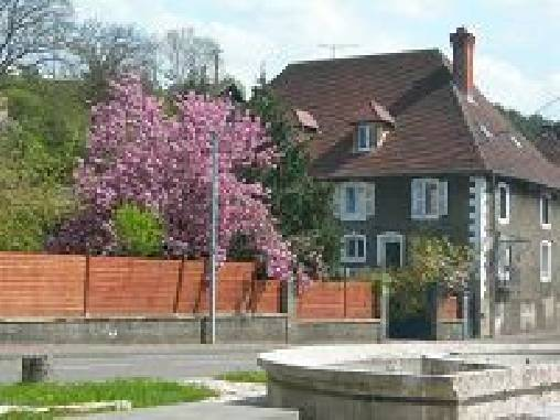 Bed & breakfasts Doubs, from 70 €/Nuit. House of character, Rang (25250 Doubs), Charm, Guest Table, Swimming Pool, Garden, Net, Baby Kits, Parking, 4 Double Bedroom(s), 1 Suite(s), 15 Maximum People, Library, Snooker, 3...