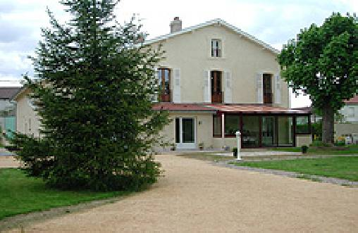 Bed & breakfasts Meuse, from 58 €/Nuit. House/Villa, Charny sur Meuse (55100 Meuse), Garden, Net, WiFi, Parking, 3 Double Bedroom(s), 10 Maximum People, Lounge, Library, Kids Games, Travel Cheques, Ping Pong, Bowls, Cou...