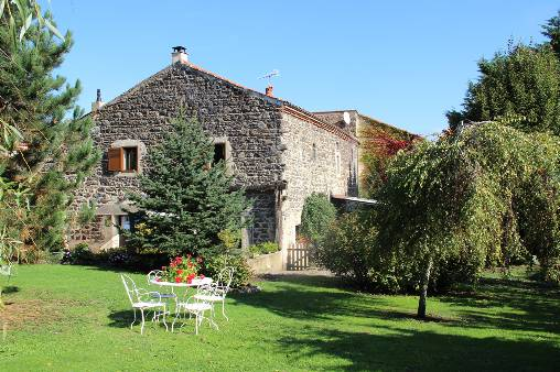 Bed & breakfasts Puy-de-Dôme, from 65 €/Nuit. House of character, Mareugheol (63340 Puy-de-Dôme), Charm, Guest Table, Swimming Pool, Garden, Park, Net, WiFi, Baby Kits, Parking, 4 Double Bedroom(s), 1 Suite(s), 15 Maximum Peo...