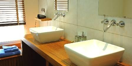 Les Logis de Nantas Salle de bain de la chambre Eau