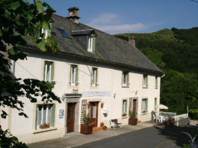 Bed & breakfasts Cantal, from 53 €/Nuit. House of character, St Jacques des Blats (15800 Cantal), Charm, Guest Table, Garden, Park, WiFi, 5 Double Bedroom(s), 15 Maximum People, Lounge, Library, Chimeney, Clevacances 3 C...