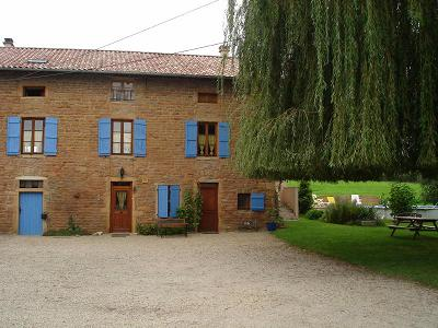 Bed & breakfasts Saône-et-Loire, from 40 €/Nuit. House of character, Charnay-les-macon (71850 Saône-et-Loire), Swimming Pool, Garden, Park, Net, WiFi, Baby Kits, Parking, 1 Double Bedroom(s), 5 Maximum People, Kids Games, Ping P...