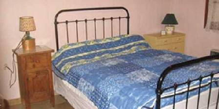 Les Vanades Chambre grand lit