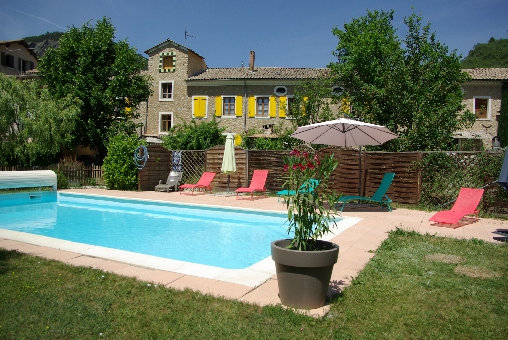 Bed & breakfasts Alpes de Haute Provence, from 37,50 €/Nuit. Apartement, La Motte du Caire (04250 Alpes de Haute Provence), Swimming Pool, Garden, Lounge, Library, Chimeney, Travel Cheques, Tennis, horseriding, Bowls, Trainings, No Smoki...
