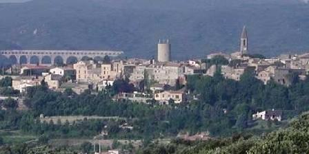 Bed and breakfast Locastillon > Le village avec le pont du Gard