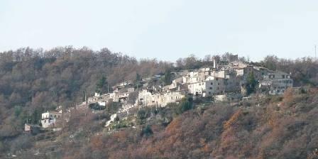 Location de vacances Agni Chambres d'hôtes > Le village
