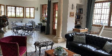 Chambre d'hotes La Magaloun > Le coin salon