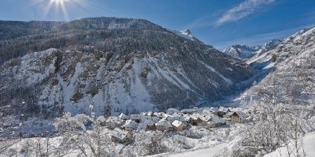 Maison de l'Etoile Saint Dalmas le Selvage en hiver